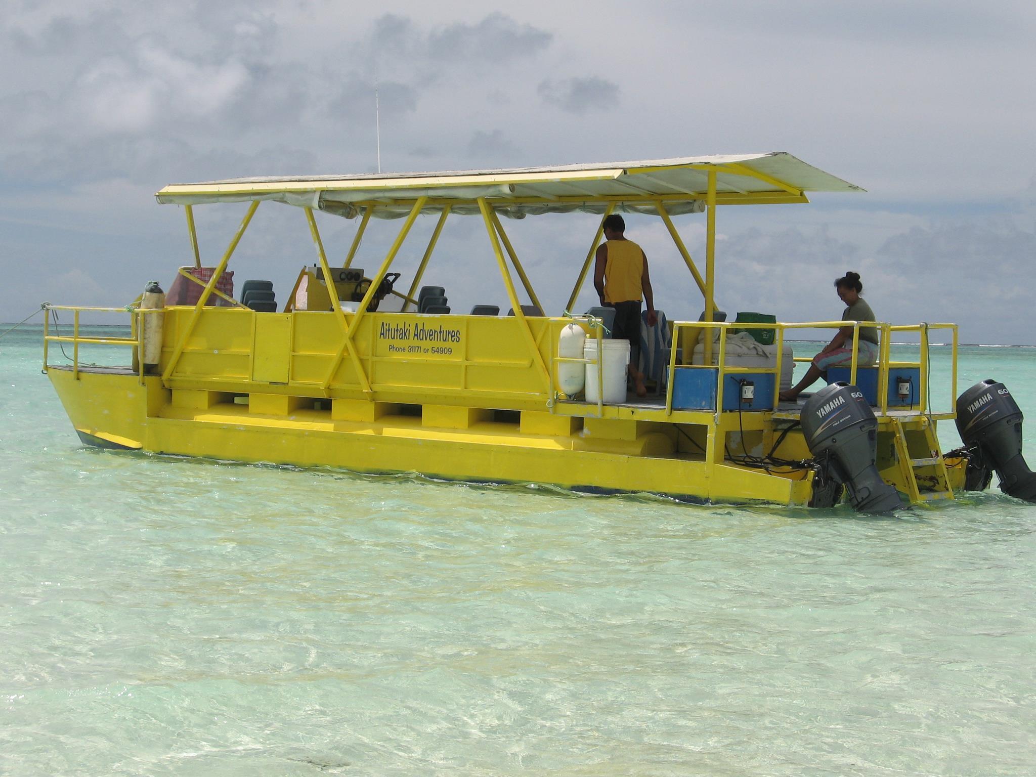 Aitutaki Adventures Tour to the One Foot Island